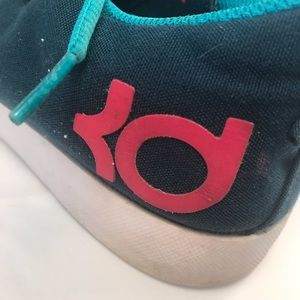 Nike Shoes - NIKE Boys Youth Shoes U.S 7Y Teal Pink KD